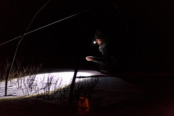 RURART Hiver 2018, Amélie Lemay Choquette, lampe de poche, oeuvre sur verre,photo Stuart EdwardsLR,