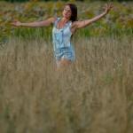 Amélie Lemay-Choquette, danse dans la prairie