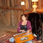 Caroline Théberge, harmonium